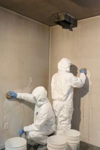 Mycie ścian po pożarze i zadymnieniu